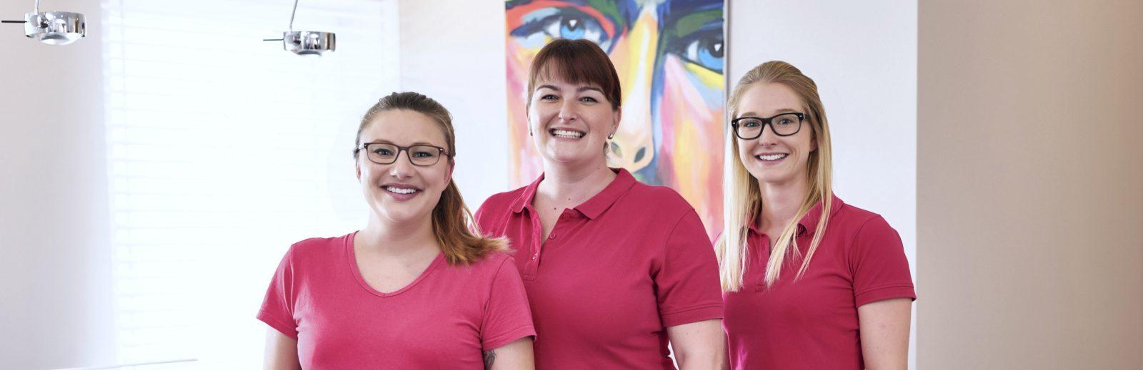 Team der HNO-Praxis in Mögeldorf, Frau Bogendörfer, Wunderlich, Setzen