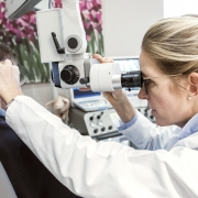 Ohrmikroskopie bei Ohrenschmalz und MIttelohrentzündung